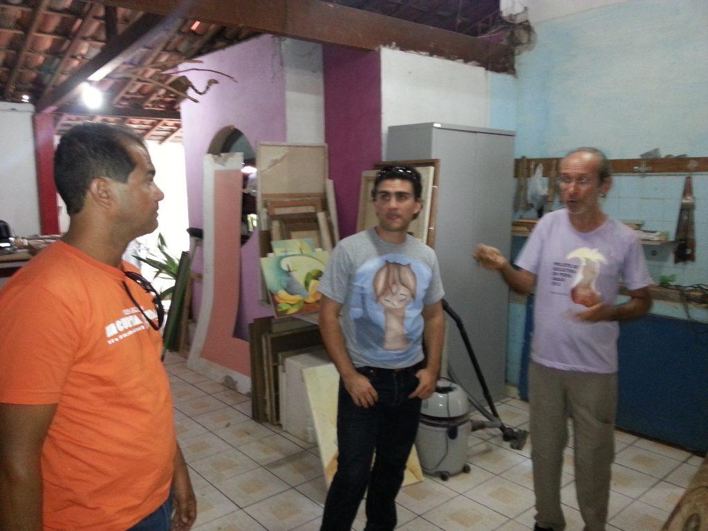 Mathieu com Buca Dantas em visita ao ateliê do artista João Antônio, em Currais Novos   Foto: Fahad Mohammed