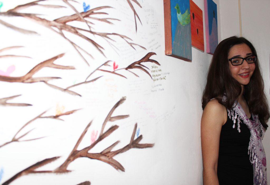 """Regina Azevedo tem 13 anos e é autora de """"das vezes que morri em você"""""""