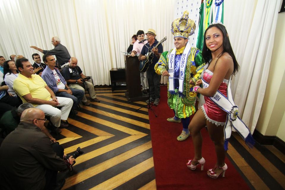 Rei Momo e Rainha do Carnaval durante lançamento da programação do evento organizado pela Prefeitura do Natal (Secom/Prefeitura do Natal)